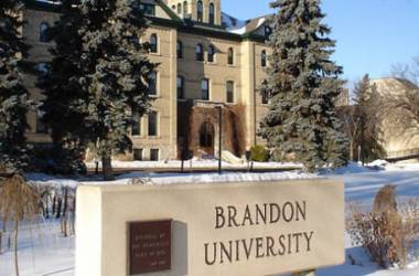 Brandon University, bang Manitoba, Canada.
