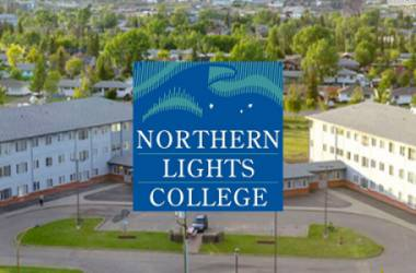 Northern Lights College, tỉnh bang B.C, Canada.